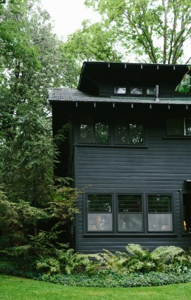 Incredible Homes Decorating Ideas With Black Exteriors45