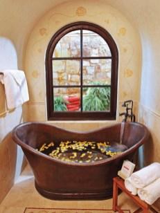 Minimalist Bathroom Bathtub Remodel Ideas12