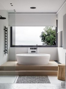 Minimalist Bathroom Bathtub Remodel Ideas20