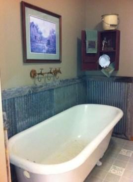 Minimalist Bathroom Bathtub Remodel Ideas26