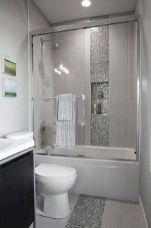 Minimalist Bathroom Bathtub Remodel Ideas29