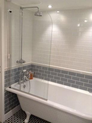 Minimalist Bathroom Bathtub Remodel Ideas42
