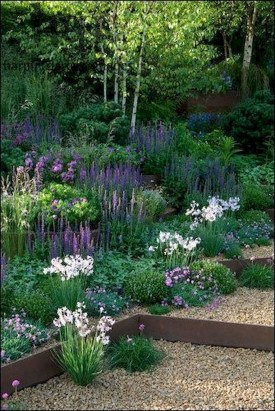 Astonishing Backyard Landscaping Ideas With Flower To Try09