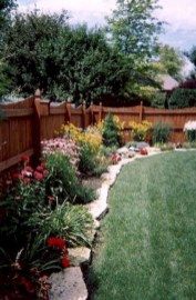Astonishing Backyard Landscaping Ideas With Flower To Try23