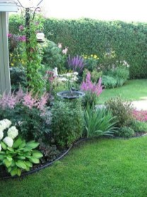 Astonishing Backyard Landscaping Ideas With Flower To Try31