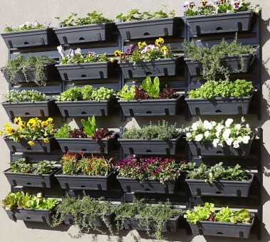Fantastic Outdoor Vertical Garden Ideas For Small Space27