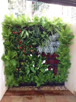 Fantastic Outdoor Vertical Garden Ideas For Small Space44