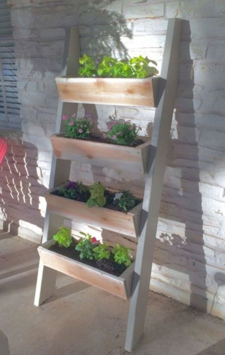 Fantastic Outdoor Vertical Garden Ideas For Small Space47