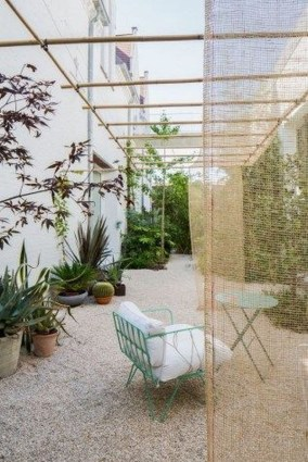 Fascinating Side Yard And Backyard Gravel Garden Design Ideas That Looks Cool44