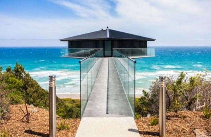 Fearsome Cliff Side Houses With Amazing Views13