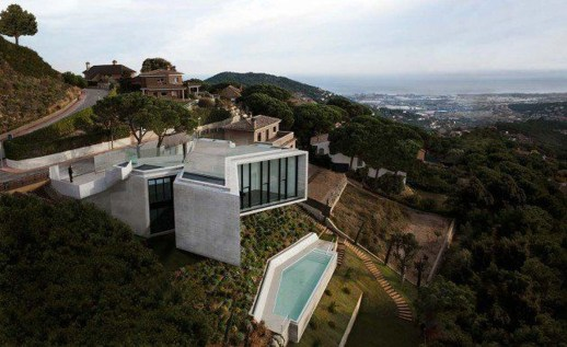 Fearsome Cliff Side Houses With Amazing Views18