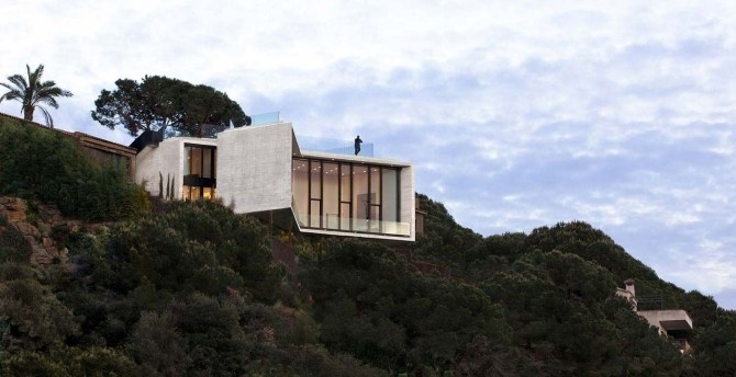 Fearsome Cliff Side Houses With Amazing Views34