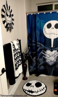 Modern Halloween Decorating Ideas For Your Bathroom05