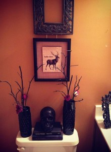 Modern Halloween Decorating Ideas For Your Bathroom09