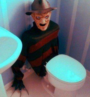 Modern Halloween Decorating Ideas For Your Bathroom24