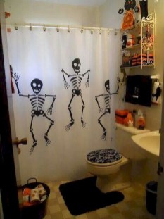 Modern Halloween Decorating Ideas For Your Bathroom32