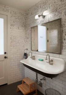 Modern Halloween Decorating Ideas For Your Bathroom35