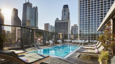Most Amazing Rooftop Pools That You Must Jump In At Least Once05