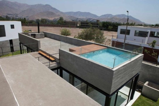 Most Amazing Rooftop Pools That You Must Jump In At Least Once08