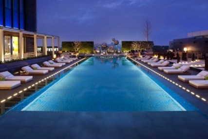 Most Amazing Rooftop Pools That You Must Jump In At Least Once19