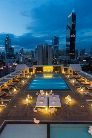 Most Amazing Rooftop Pools That You Must Jump In At Least Once40