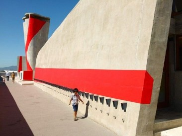 Unbelievable Public Architectural Optical Illusions15