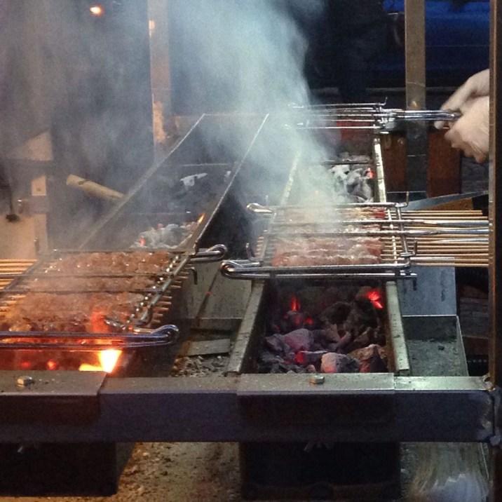 Unique Outdoor Kitchen Ideas For Excellent Restaurants18