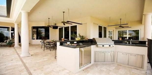 Unique Outdoor Kitchen Ideas For Excellent Restaurants50
