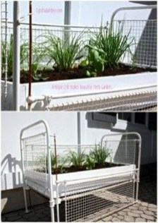 Inspirational Ways How To Repurpose Old Babys Cribs31