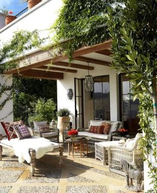 Luxury And Classy Mediterranean Patio Designs15