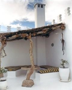 Luxury And Classy Mediterranean Patio Designs23