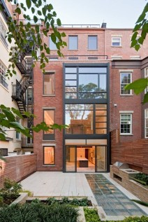 Nyc Townhouse Renovation Defies Convention With Drama And Simplicity21