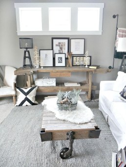 Warm Rustic Family Room Designs For The Winter17