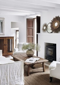 Warm Rustic Family Room Designs For The Winter19