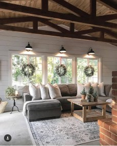 Warm Rustic Family Room Designs For The Winter29