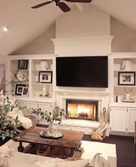 Warm Rustic Family Room Designs For The Winter36
