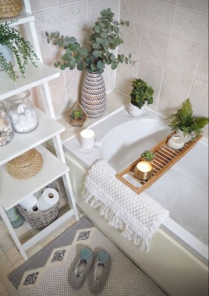 Amazing Small Apartment Bathroom Decoration You Can Try09