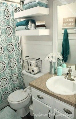Amazing Small Apartment Bathroom Decoration You Can Try15