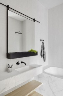 Amazing Small Apartment Bathroom Decoration You Can Try21