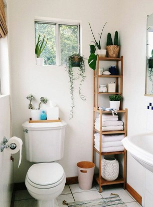 Amazing Small Apartment Bathroom Decoration You Can Try24