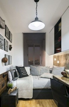 Amazing Small Apartment Bedroom Decoration Ideas15