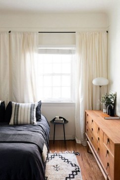 Amazing Small Apartment Bedroom Decoration Ideas16