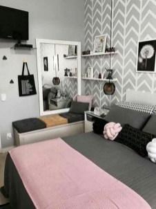 Amazing Small Apartment Bedroom Decoration Ideas19