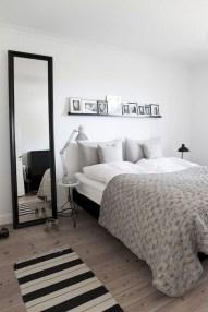 Amazing Small Apartment Bedroom Decoration Ideas33