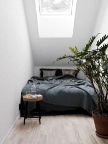 Amazing Small Apartment Bedroom Decoration Ideas34