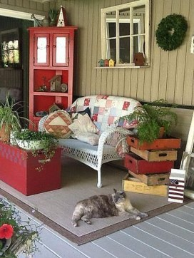 Beautiful And Colorful Porch Design18