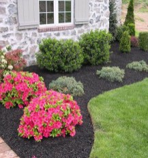 Beautiful Simple Front Yard Landscaping Design Ideas04