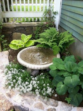 Beautiful Simple Front Yard Landscaping Design Ideas21