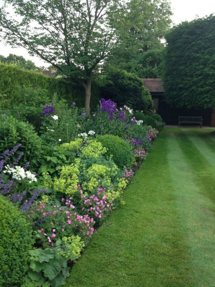 Beautiful Simple Front Yard Landscaping Design Ideas35