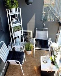 Elegant And Cozy Balcony Ideas05